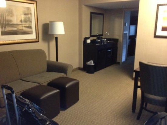 Embassy Suites by Hilton Raleigh - Crabtree : Sitting area