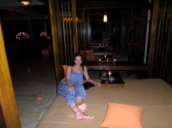 Paradisus Punta Cana Resort: Bed in the lobby