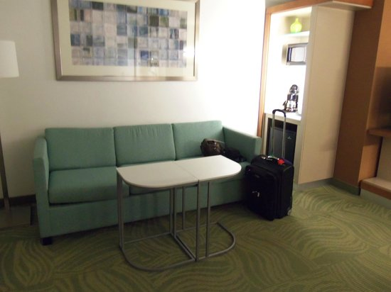 SpringHill Suites by Marriott Sioux Falls: Plenty of room - I could function here for a week!