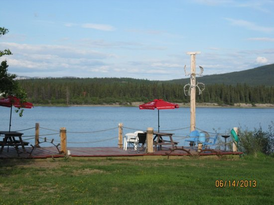 Six Mile River Resort: The Deck by the River