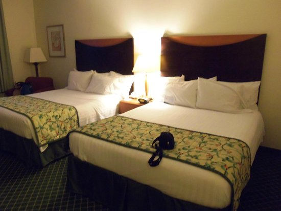 Quality Inn & Suites Keokuk North: Another bed shot