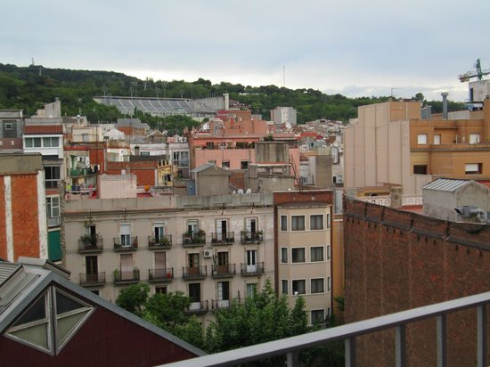 Charmsuites Avenida Parallel: View from Balcony