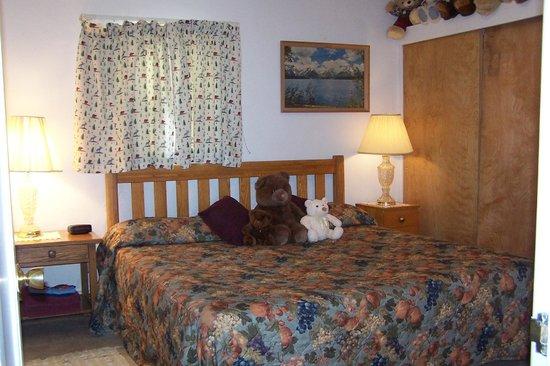 Black Bear Inn : Comfy Rooms