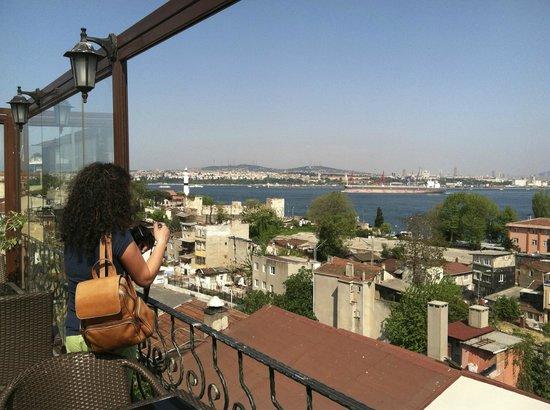 Azade Hotel: Breakfast view