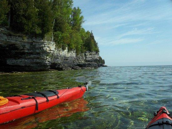 Door County Adventure Center: Cave & Dunes kayak tour