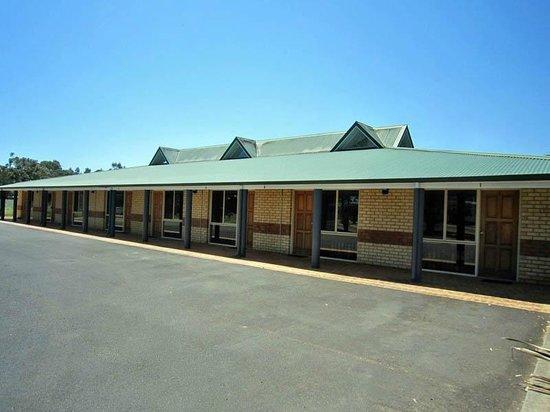 Drakesbrook Hotel Motel : Motel wing