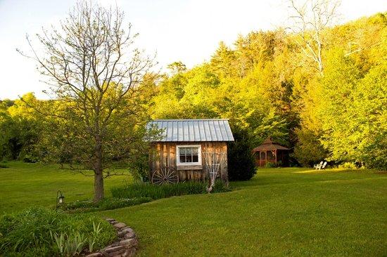 Morgan Century Farm: Grounds