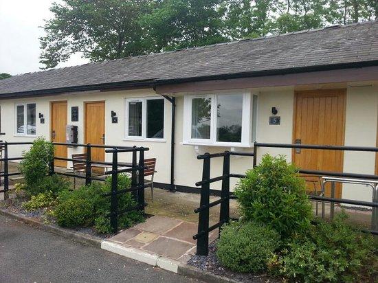 Grill & Grain at the Boatyard: Boatyard Inn accommodation