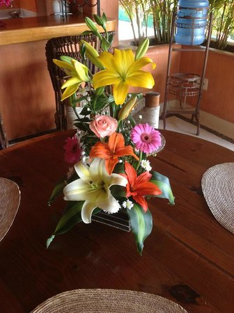 Villa Carolina Hotel: We also had flowers on our first day