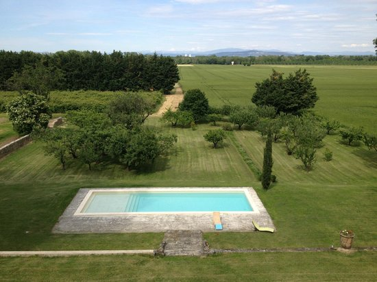 Domaine de Lamartine : View from our room of fields, pool, and vineyards. Great place to walk in AM or PM.