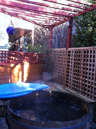 Te Wanaka Lodge : hot tub