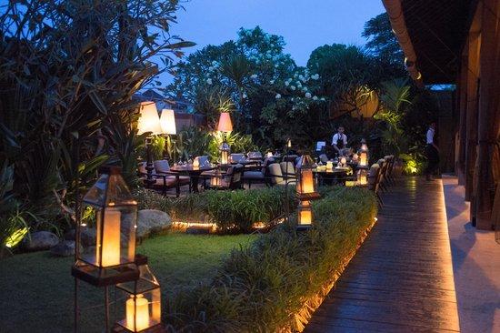 Sarong Restaurant: Al fresca dining
