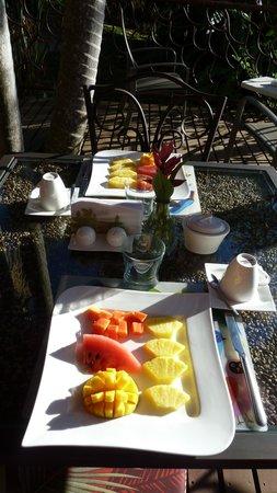 Tacacori EcoLodge: Délicieux petits déjeuners au soleil