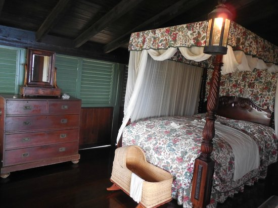 Pedro St. James National Historic Site: view in bedroom