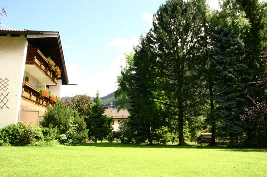 Hotel Garni Gästehaus Edlhuber: Giardino