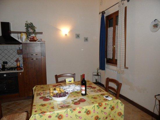 Agriturismo Due Ponti: Dining room / kitchen