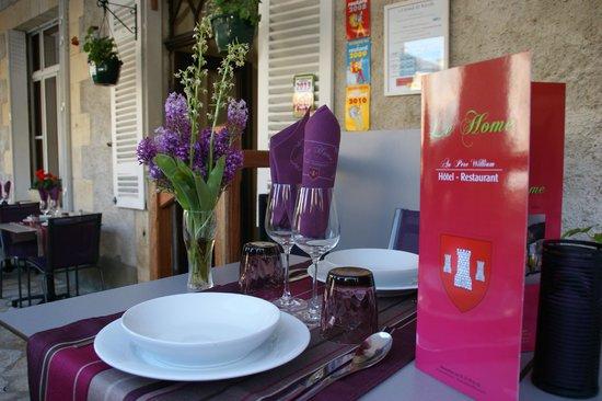 Hôtel-Restaurant Le Home au Père William : TERRASSE DU RESTAURANT
