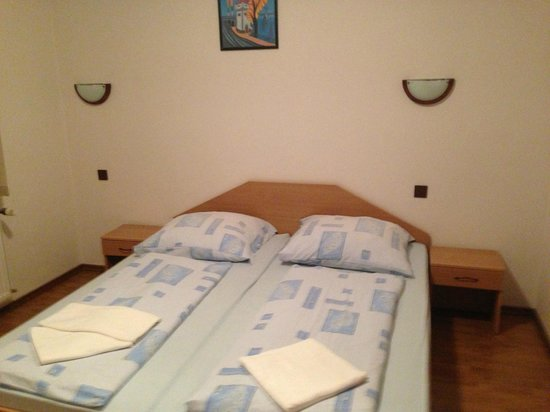 Hotel Faust : Bed room - Apartement