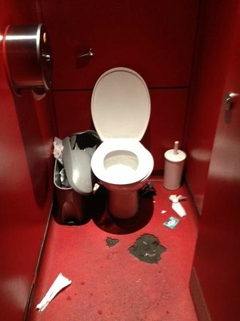 Las Iguanas - Spitalfields: Toilet worst than the night clubs
