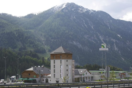 Landzeit Tauernalm: Hotel Landzeit in nice Alps environment