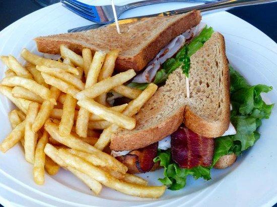 Seascape Ma'alaea Restaurant: Turkey bacon sandwich.