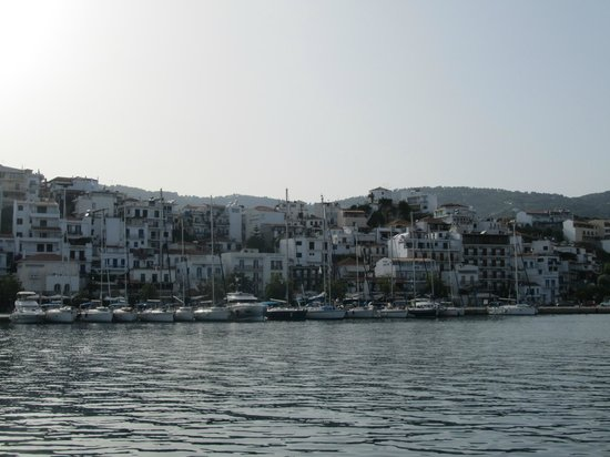 Evdora Catamaran Sailing : Skiathos town on return