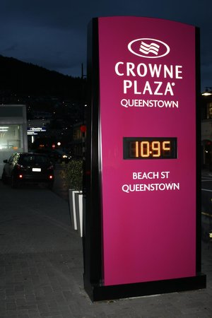 Crowne Plaza Queenstown: Cold but so worth every minute