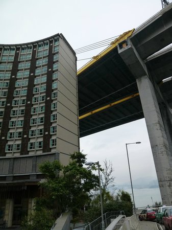 Royal View Hotel [subsidiary of Sunhung Kai Properties Ltd]: Royal View is constructed under a huge bridge