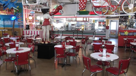 Volo Auto Museum: The beautiful diner.