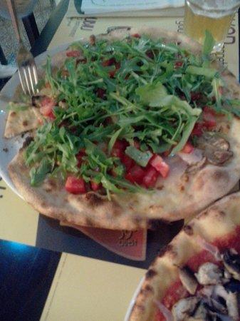 Rubiu Birrificio Artigianale: lecker Pizza mit geräuchertem Schwertfisch