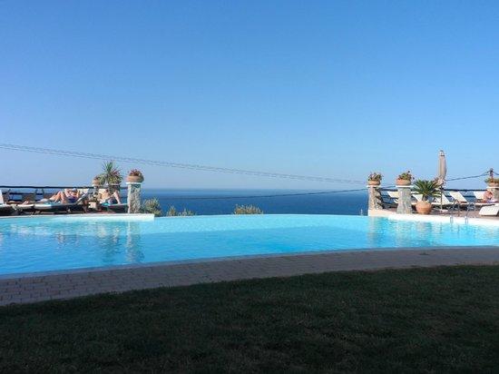 Creta Blue Suites : Vue Piscine