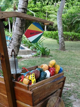 Four Seasons Resort Seychelles: Coconut toys for kids