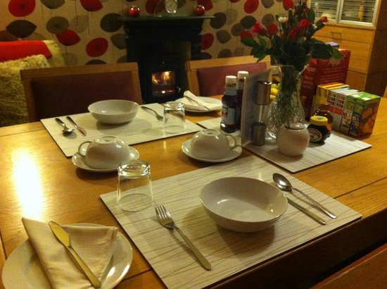 Kedleston View: Cosy Breakfast Time