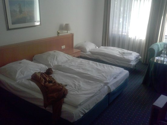 Centro Hotel Royal: Beds