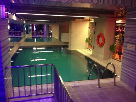 Hotel Sultania: бассейн в спа.