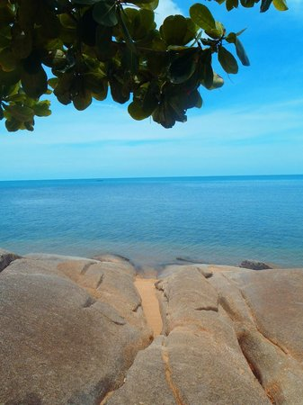 Rocky's Boutique Resort: View from outside our villa