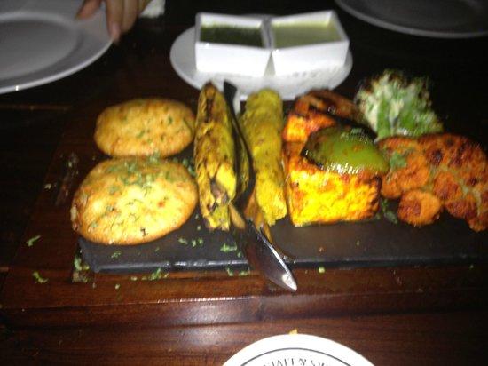 Downtown Cafe: The Veg Kebab Platter
