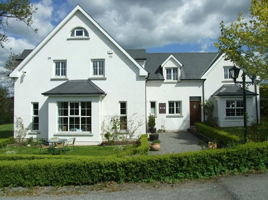 Ballyderrin House: house