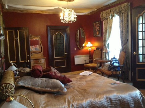 Castel du Monde: Our room