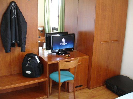 Hotel Traghetto: TV con Mediaset Premium