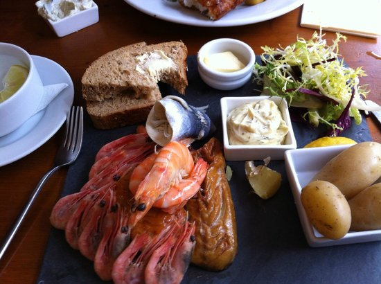 Coasters: Coaster's Seafood Platter .... wonderful
