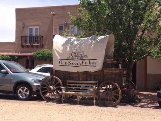 Old Santa Fe Inn: Parking Area