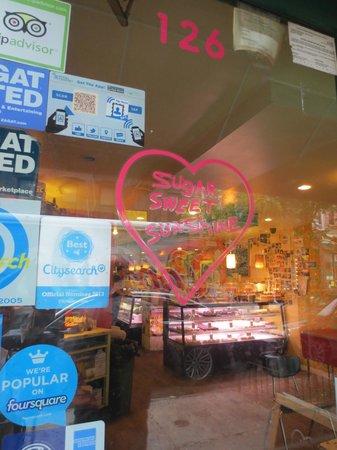 Sugar Sweet Sunshine: Entrance