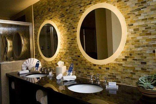 DoubleTree by Hilton Hotel Atlanta - Northlake: Suite