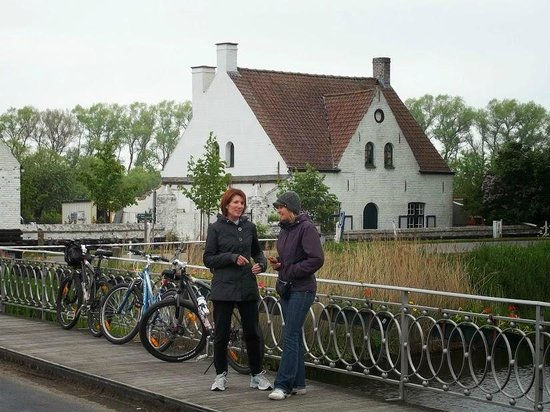 The Pink Bear Bicycle Company: My wife and Mieke