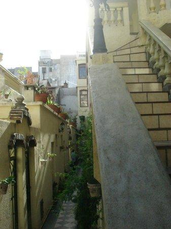 Maggie's B&B San Telmo: les chambres a Gauche; escalier vers le resto
