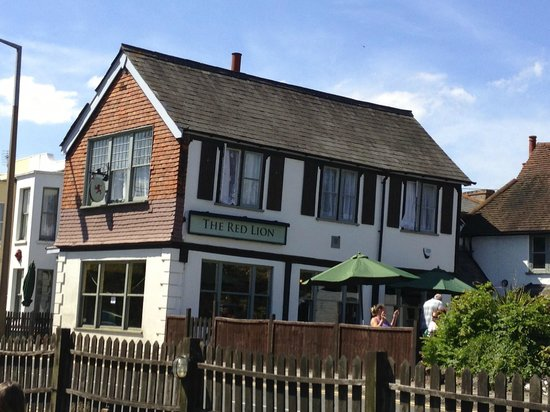 The Red Lion, Shepperton