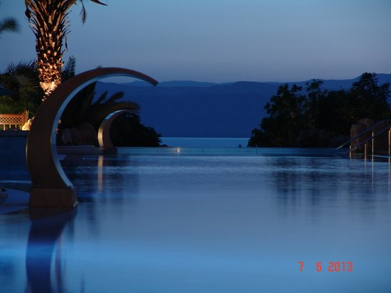 Jordan Valley Marriott Resort & Spa: the pool and the sunset