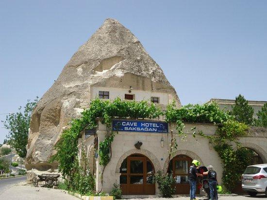 Cave Hotel Saksagan: Vista ingresso