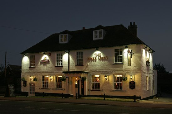The Bulls Head in the evening